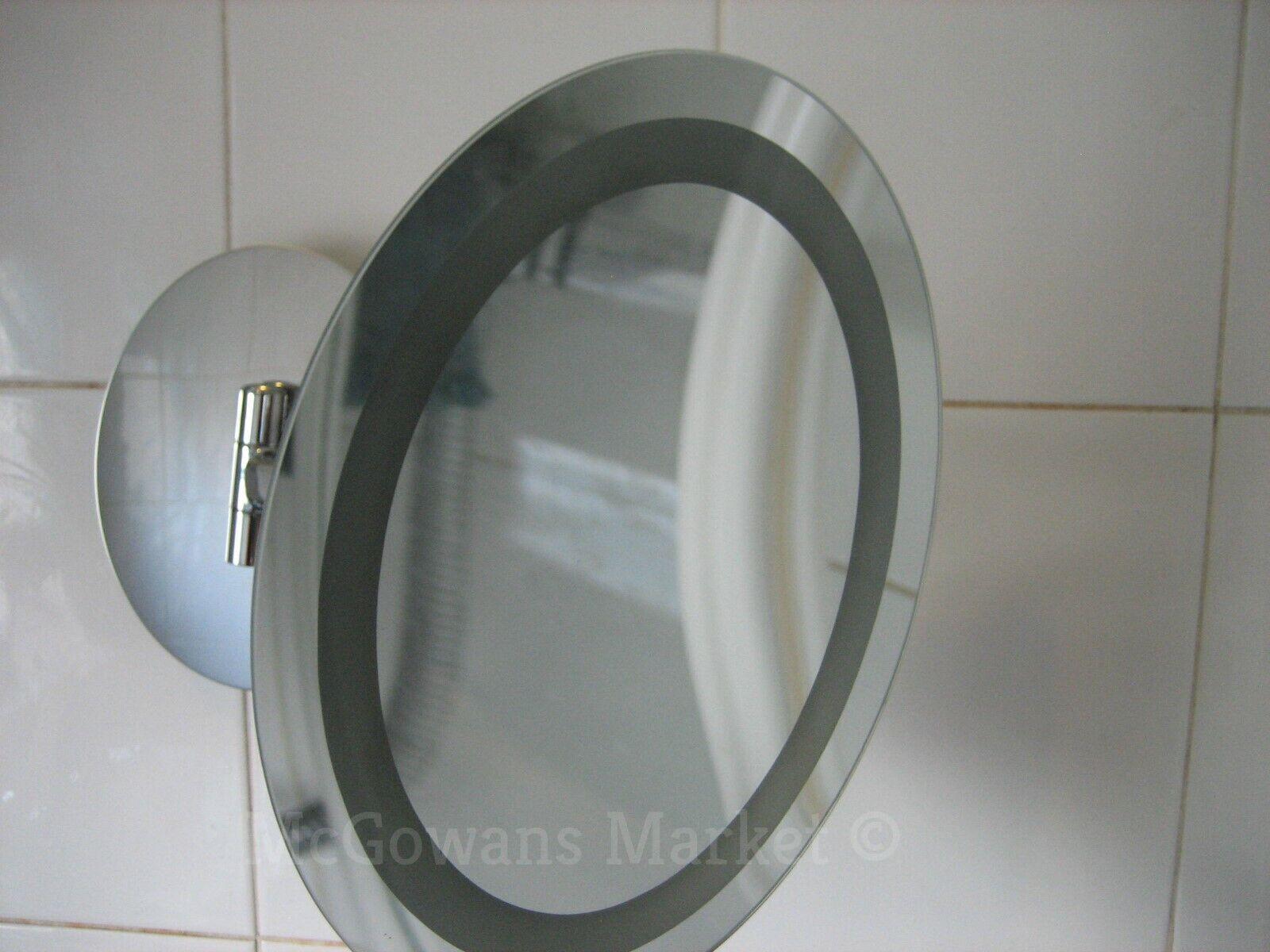 Lupa Oval iluminado Espejo de baño por CHELSOM