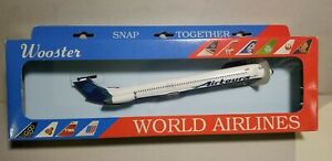 WOOSTER-MODEL-W233-AIRTOURS-MD-80-1-200-SCALE-PLASTIC-SNAPFIT-MODEL