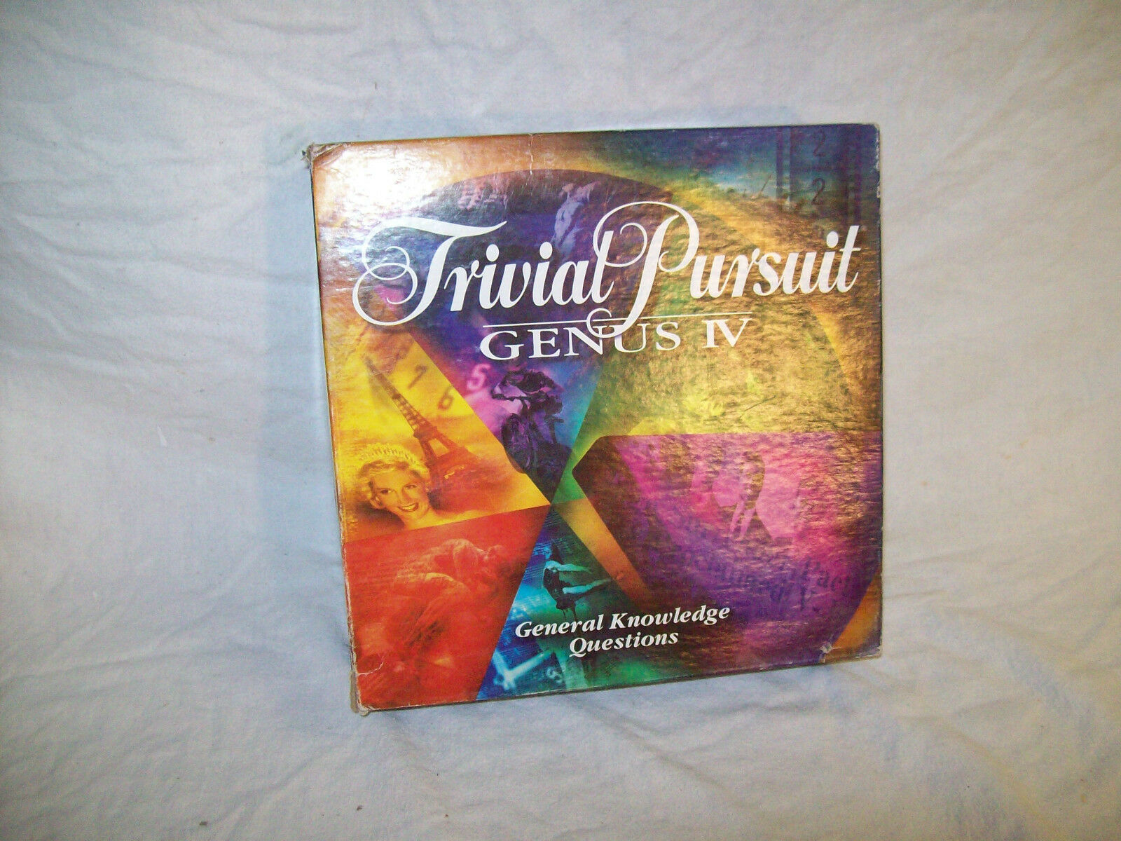 Used Trivial Pursuit Pursuit Trivial Genus IV board game 5af840