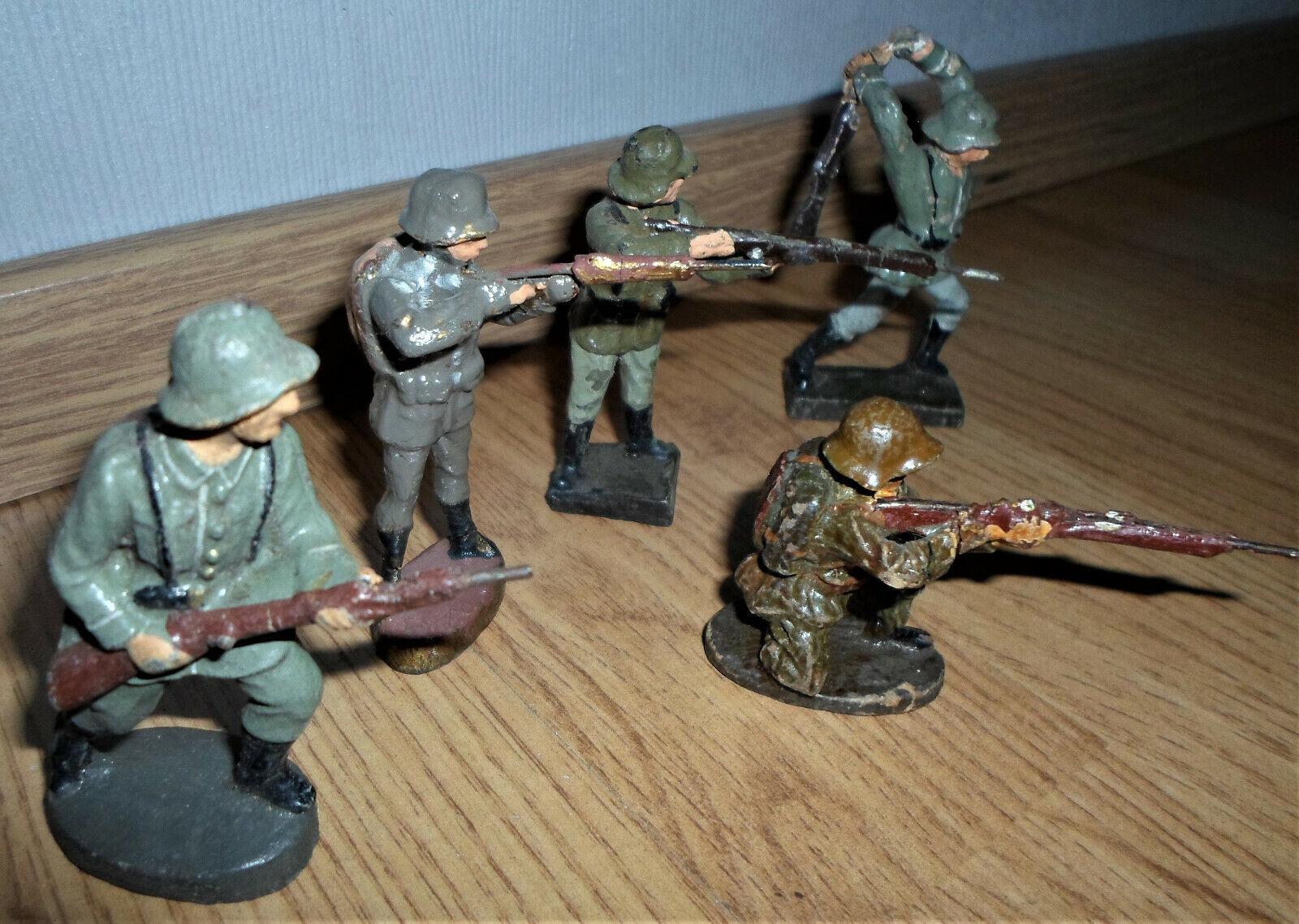 Mycket före kriget ELASTOLIN German Wehrmacht stridande soldatkomposition WWW II