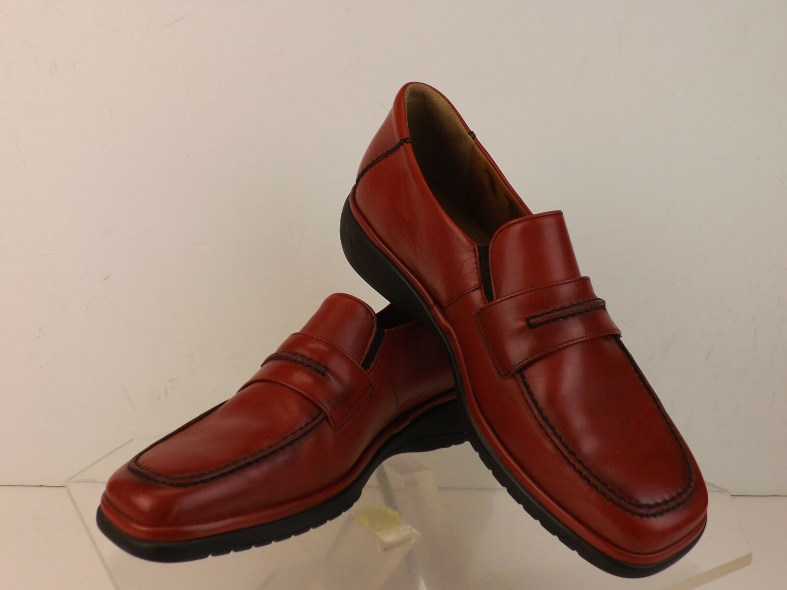 NWB MEPHISTO RED LEATHER CONTRAST STITCHED JANET LOAFERS LOAFERS LOAFERS PORTUGAL 9  250 19e437