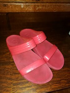 FIT-FLOPS-RED-LEATHER-SLIDES-MANS-SIZE-10-EU42