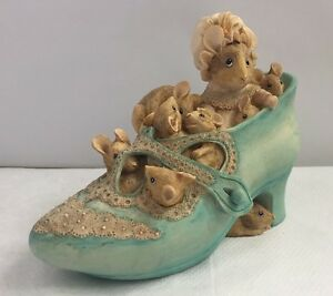 Border-Fine-Arts-Beatrix-Potter-Money-Box-The-Old-Woman-Who-Lived-in-a-Shoe