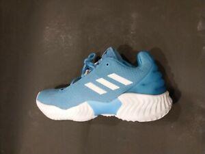 Low Basketball Shoes Light Blue B42251
