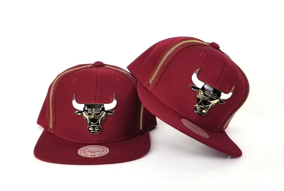 Mitchell & Ness Zipper Snapback Metal Badge Chicago Bulls Snapback Zipper Burgundy 65bc9f