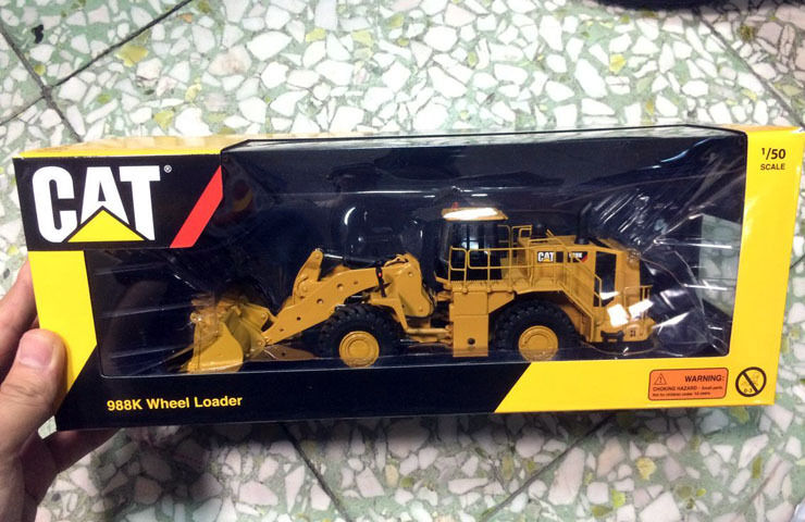 TONKIN TR10001 CATERPILLAR CAT 988K Wheel Loader 1 50 DIECAST MODEL