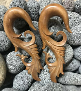 PAIR OF TAMARIND WOOD PLUGS CARVED COCO SHELL TOP PLUGS GAUGES PLUG TUNNELS