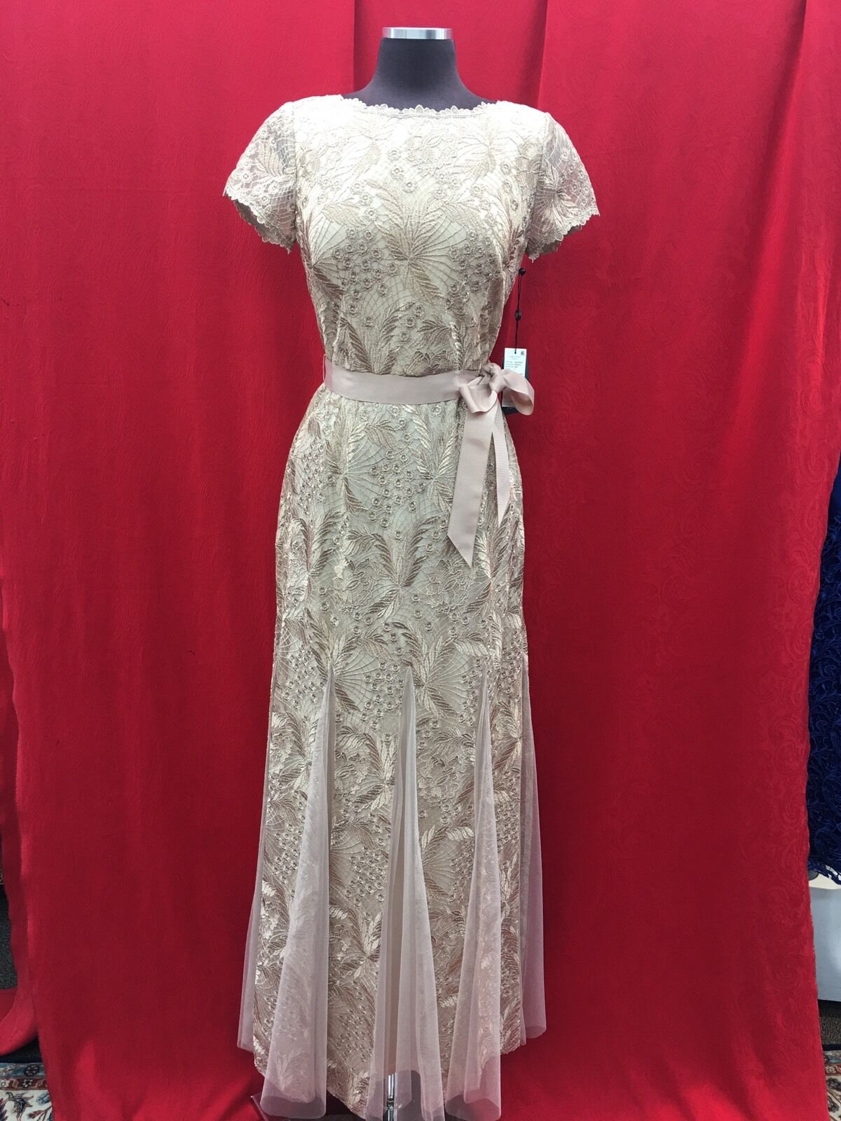 ADRIANNA PAPELL DRESS  NEW WITH TAG SIZE 2 RETAIL gold FORMAL GOWN SMALL CUT