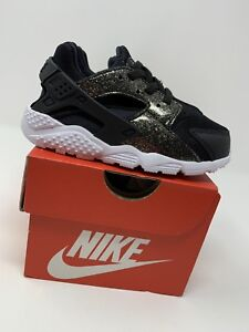 the best attitude f740a 68898 BABY GIRL: Nike Huarache Run SE Shoes, Black & Gold Sparkle ...
