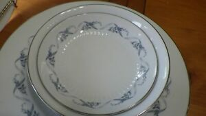 Fine-China-of-Japan-Dinnerware-Set-Monterey-pattern-mostly-service-for-8-EUC-49p