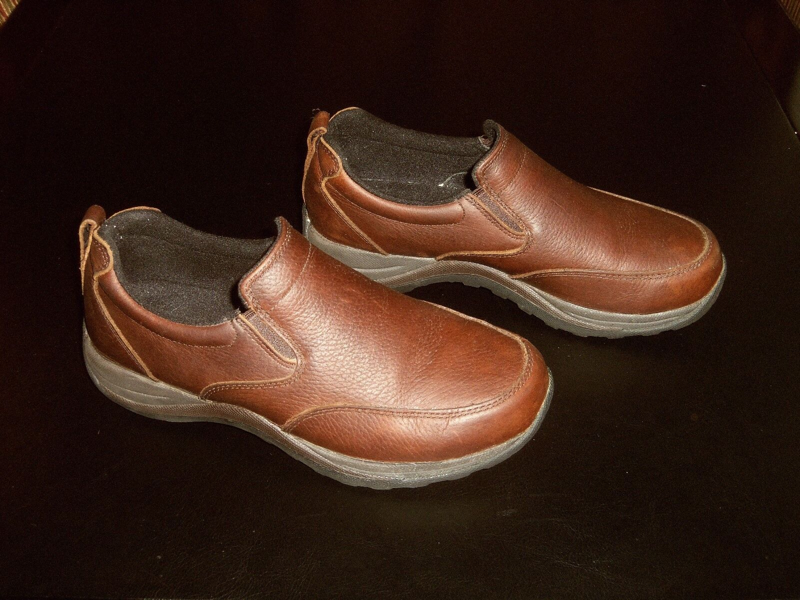 LL Bean 257064 Brown Leather Slip On shoes Men's Size 7.5 EUC