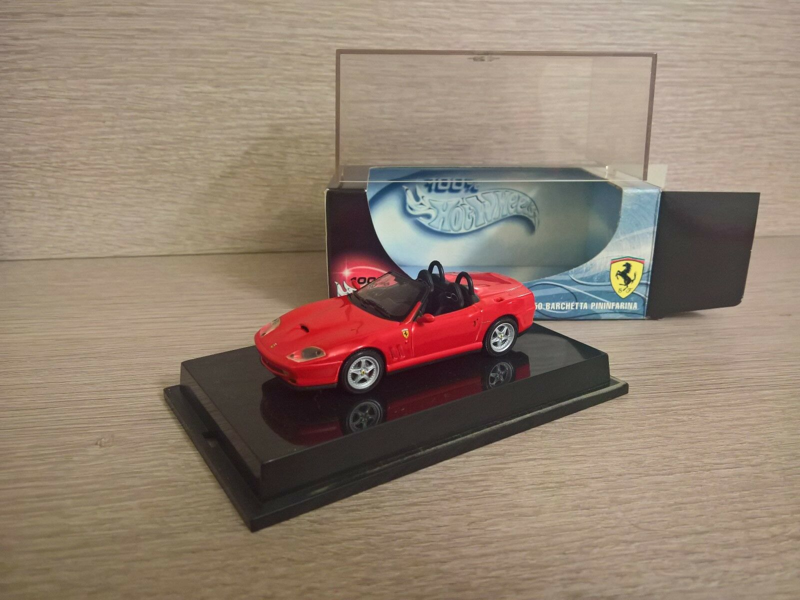 Ferrari f550 barchetta 2000 scala scala scala 1 43 rosso   ROT hot wheels 04b956
