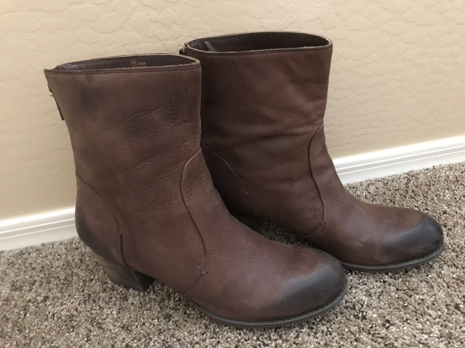 Crown Vintage Brown Leather Mid Height Boots Womens Size 11