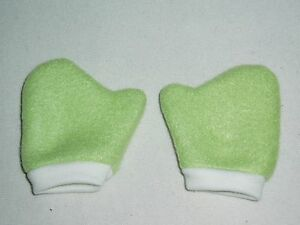 Lettuce-Green-Mittens-18-034-Doll-Clothes-Fits-American-Girl
