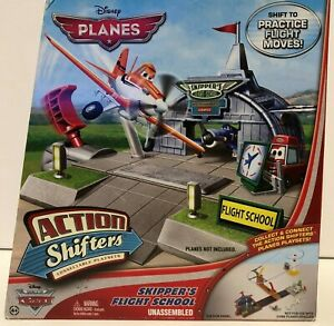 Skipper/'s Flight School Disney Planes Action Shifters connectable Playset