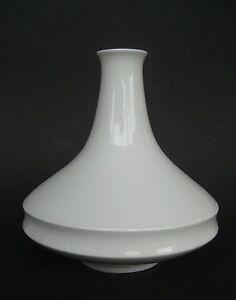 f rstenberg wei e vase moderne form. Black Bedroom Furniture Sets. Home Design Ideas