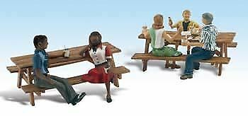 BN2214 WOODLAND SCENICS N SCALE OUTDOOR DINING GROUPS 2
