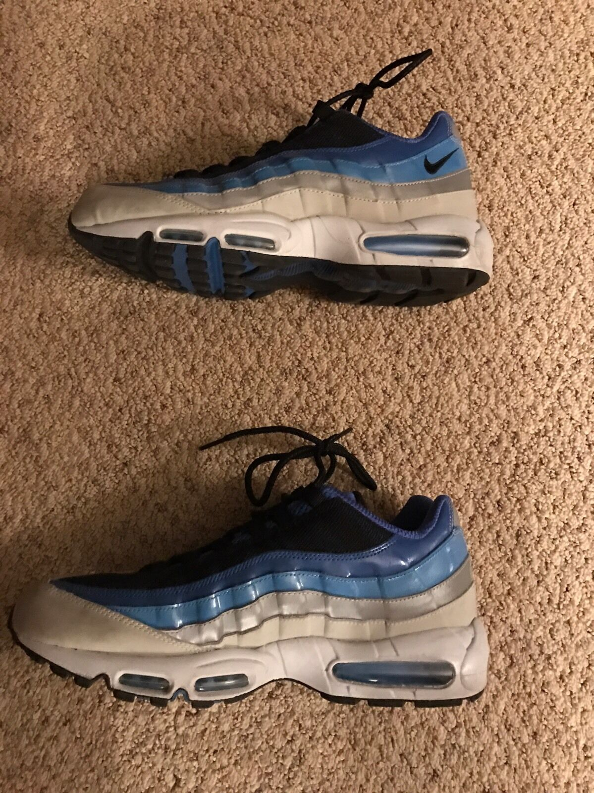 Nike air max 95 baby blau - weiße größe 13 jordan ausgezeichneten zustand unc tarheels
