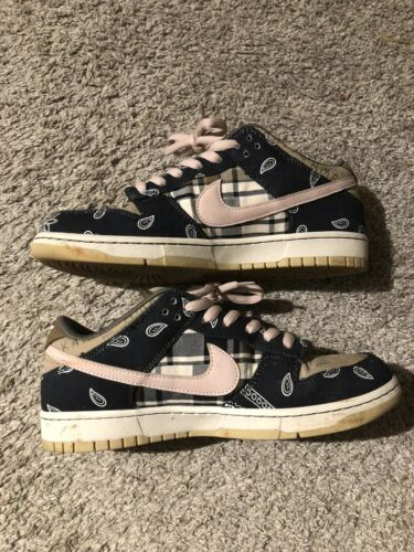 SB Dunk Low Travis Scott Size 9.5