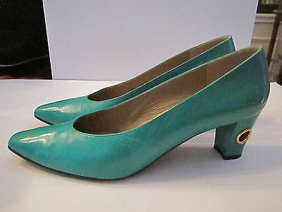"STUART WEITZMAN GREEN LEATHER PUMPS SHOES - SIZE 9 AAAA NARROW 2"" HEEL- NICE"