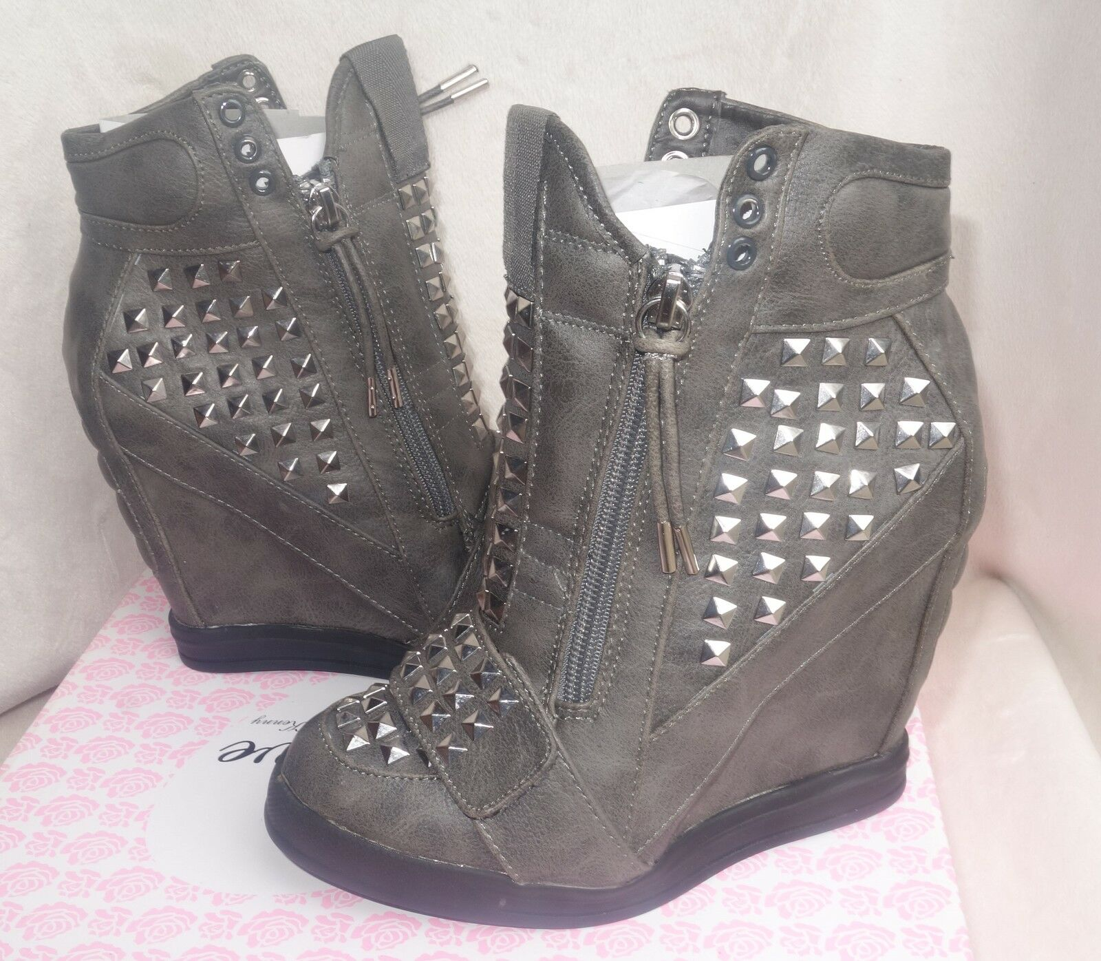 First Love by Penny Loves Kenny Gray High top Wedge Sneakers wink sz 6 new