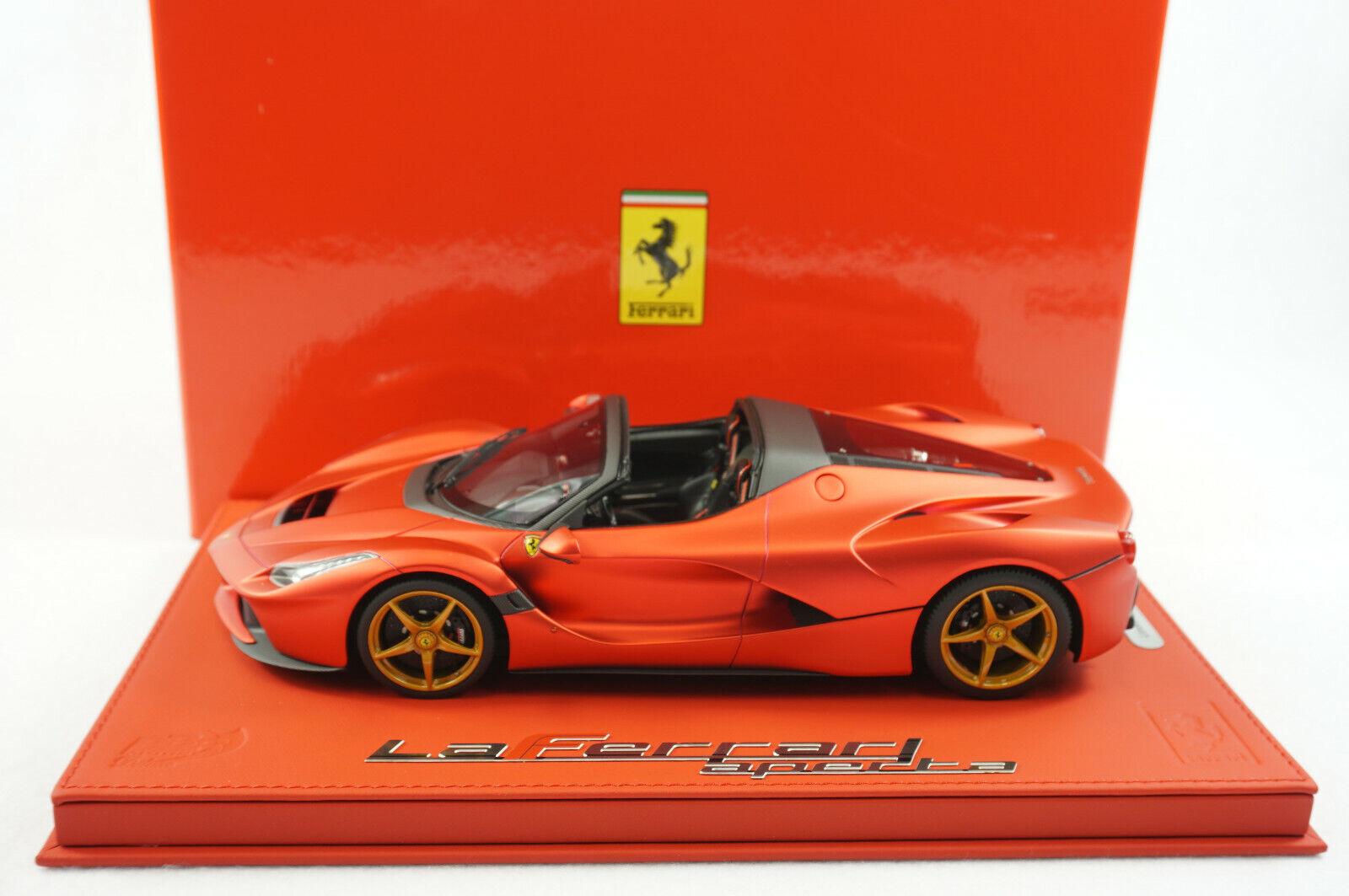 1 18 BBR Ferrari LaFerrari mesmo local Matt F1 rojo oro de lujo de cuero rojo Señor