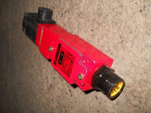 Telemecanique elektromagnetischer Sicherheitsschalter XCK-J .. H7