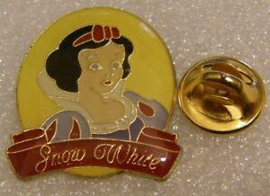 SNOW-WHITE-OVAL-PRINCESS-vintage-DISNEY-pin-badge-Z4X