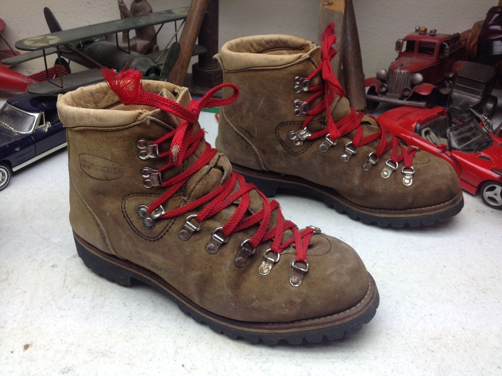 MADE IN USA DUNHAM BROWN LEATHER LACE UP MOUNTAIN TRAIL HIKING BOOTS 8.5 D