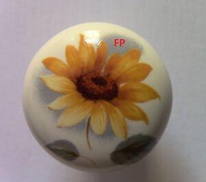 Pomello in ceramica con foglia color crema e beige: Casa e ...