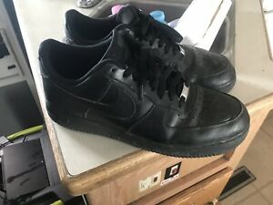 the best attitude 41fe2 5519f Image is loading Nike-Air-Force-1-Black-Leather-Athletic-Sneakers-