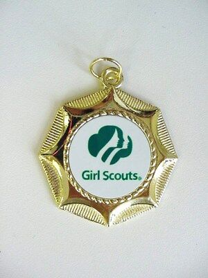 AWARD w// NECK RIBBON GIRL SCOUTS  SCOUTING  MEDAL NEW