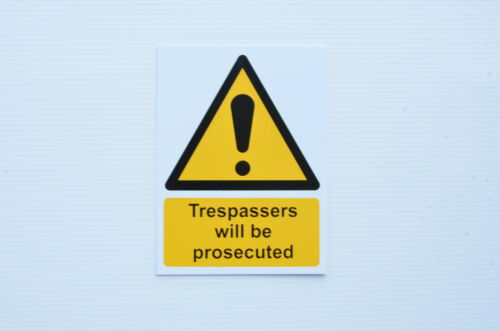 Trespassers Will Be Prosecuted Warning//Safety Sticker Sign 200mm x 150mm