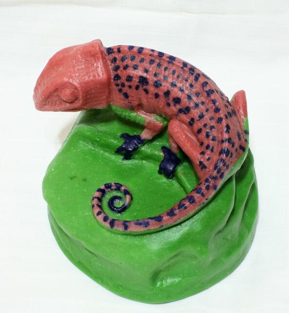 Pate de Verre Art Glass Amalric Walter Nancy Henri Berge Paperweight Chameleon