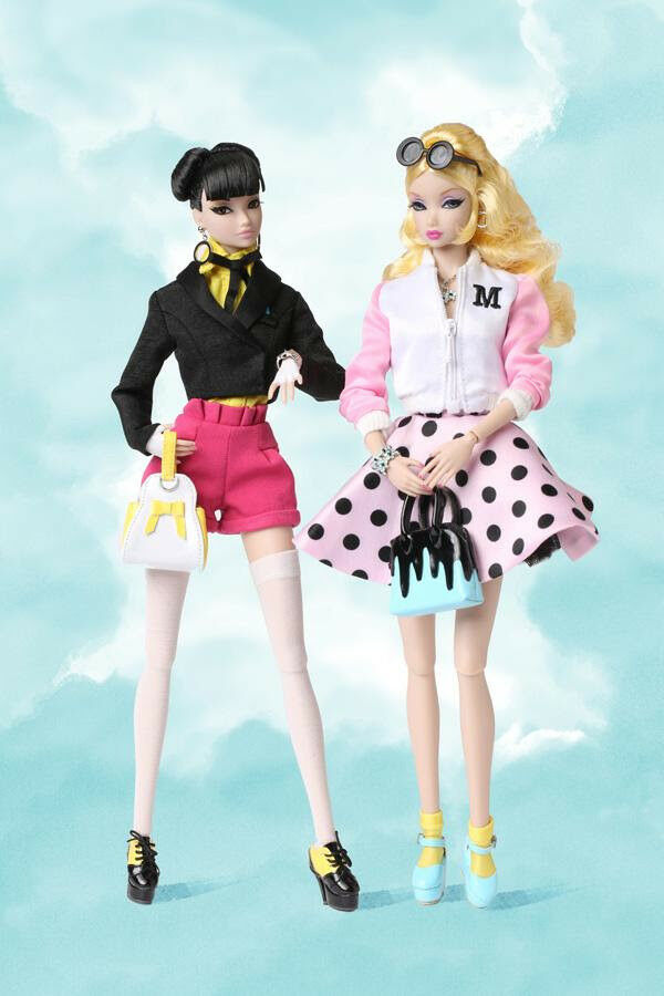 Drawn to You - - - Misaki & Amelie Two-Doll Gift Set - Fashion Fairytale 2017 Conv. d4a2bc