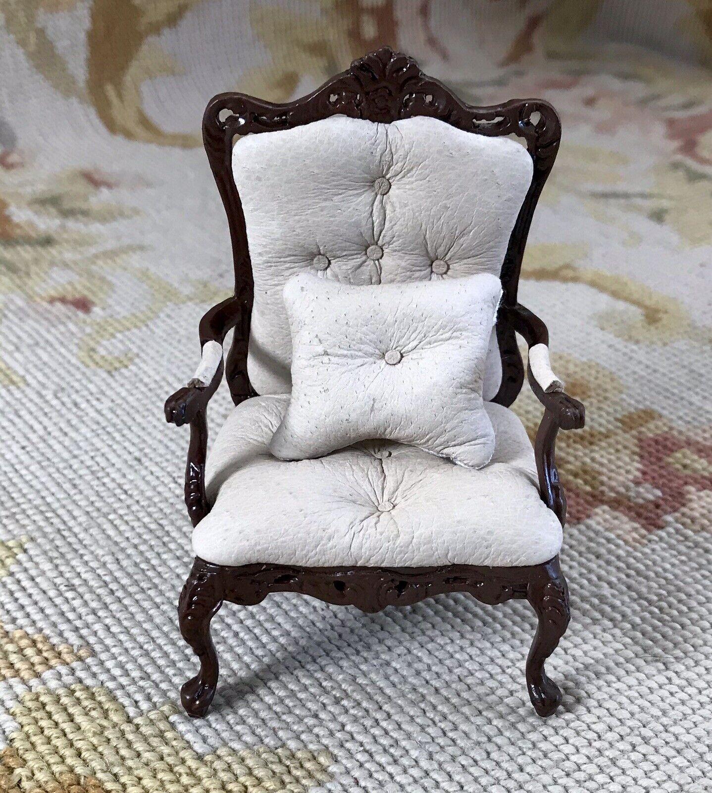 Pat Tyler Dollhaus Miniature Arm Chair Meert Chaise P954