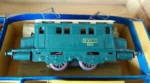 Train-Hornby-Meccano-SNCF-20v-non-teste-dans-boite-sans-couvercle
