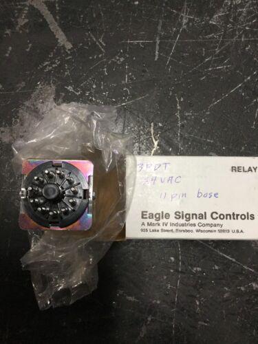 3PDT 22Q3CA024 24VAC COIL NEW EAGLE SIGNAL CONTROLS 6G-1 11PIN BASE.