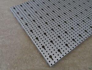 4x-pared-con-agujeros-orificio-de-LLAVE-ALUMINIO-100x40-cm-tegometall-TEGO-USADA