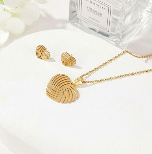 Love Heart Pendant Silver//Gold Chain Necklace Earrings Set Womens Jewellery Gift