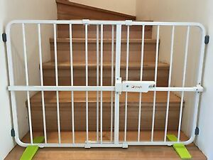 Adjustable Pet Baby Child Safety Gate Solid Steel Gate For Stairs