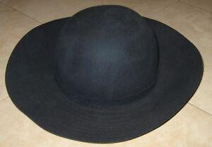 Caricamento dell immagine in corso cappello-donna-BENETTON-misura-S-colore- blu-navy- 51bc5f23a230
