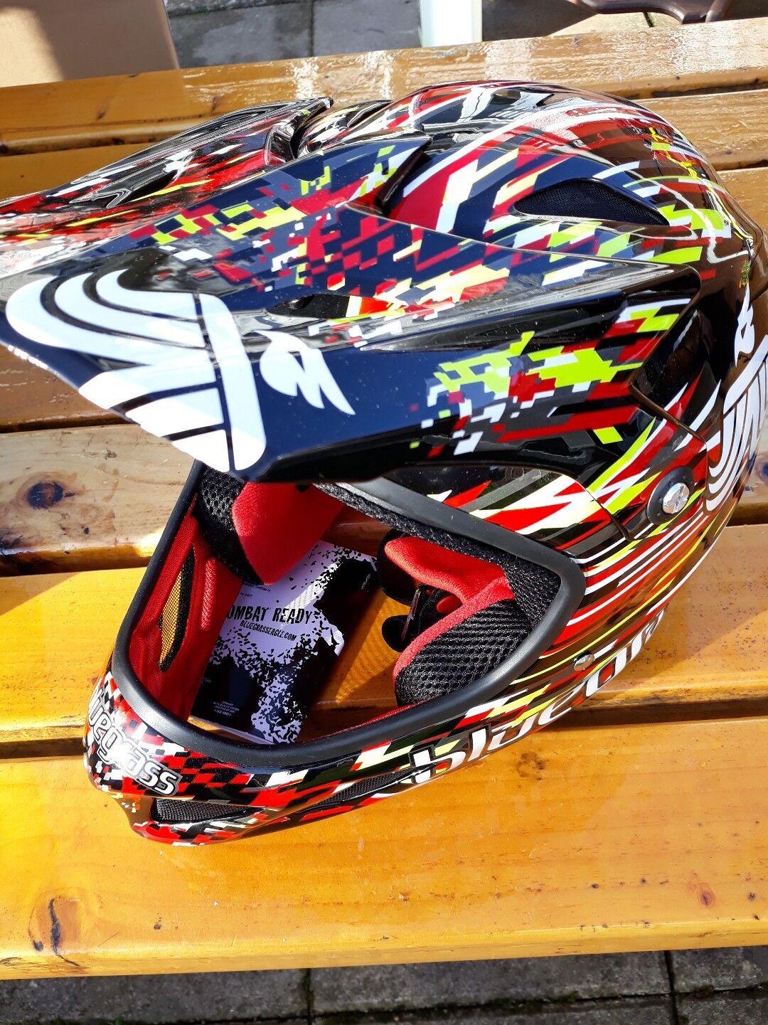 azulgrass Brave Large factory 13 rojo full face mtb helmet, brand new