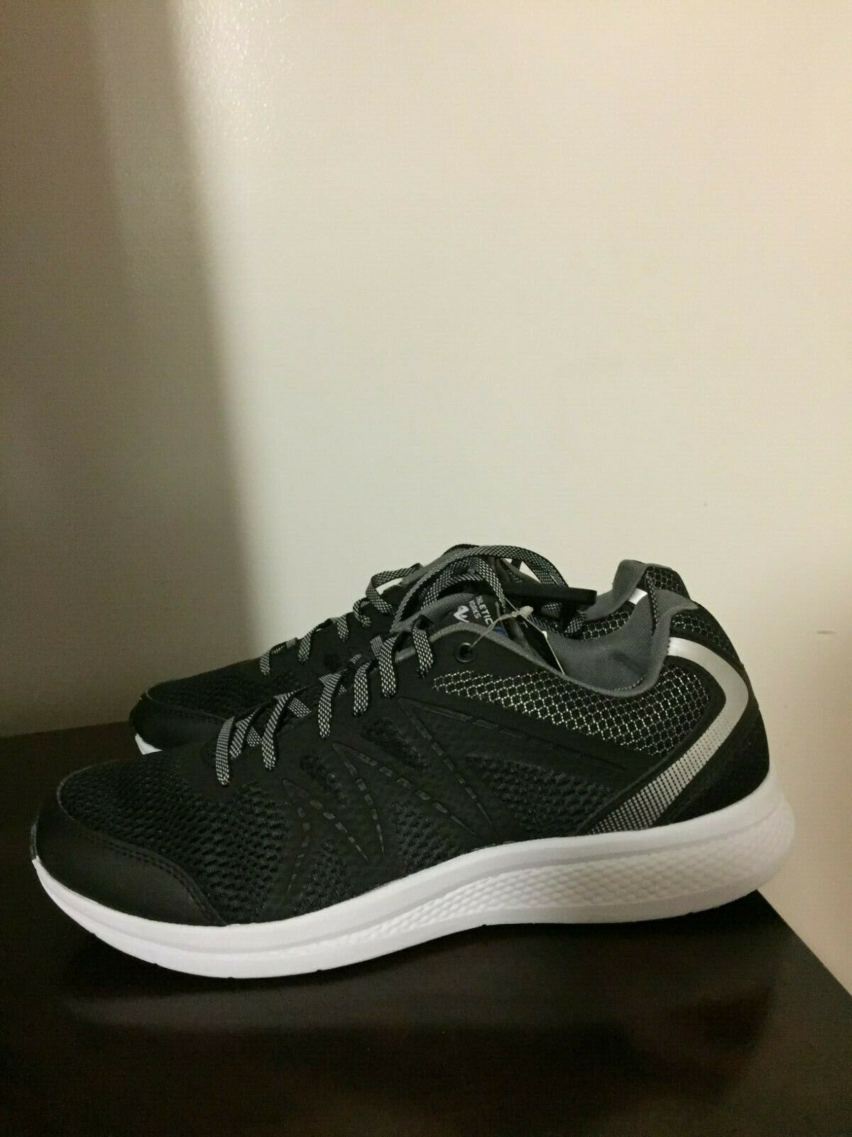 Size 7.5 Athletic Works Running Shoes