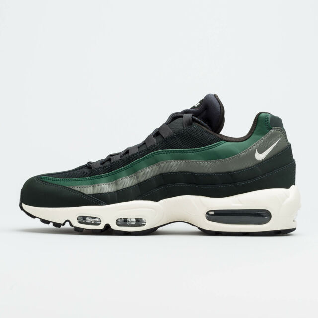 Nike Air Max 95 OUTDOOR GREEN FIR SAIL WHITE OLIVE DARK BLACK 749766 304 Men's