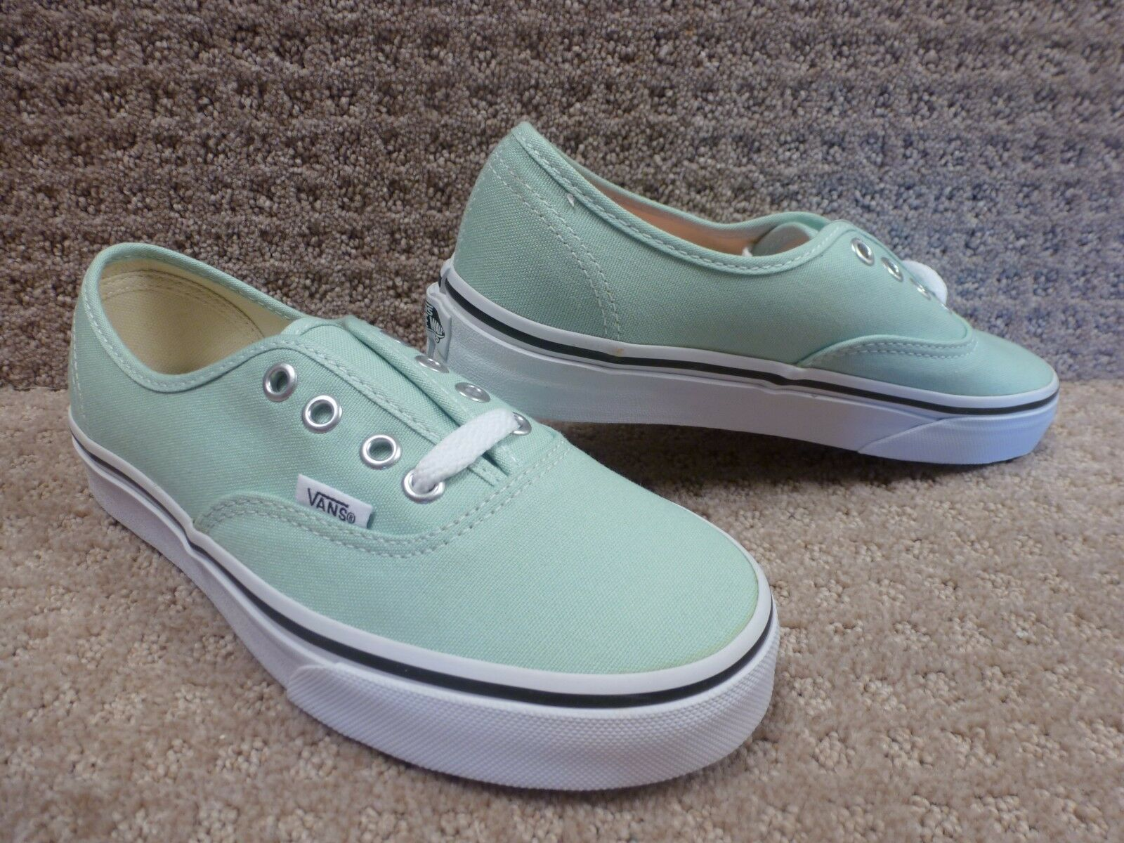 Vans Men's shoes Authentic Gossamer Green True White , Size 3.5