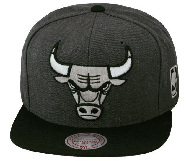 e42f2d36147 Mitchell   Ness Chicago Bulls Snapback Hat Cap Dark Heather Grey Black Silver  XL