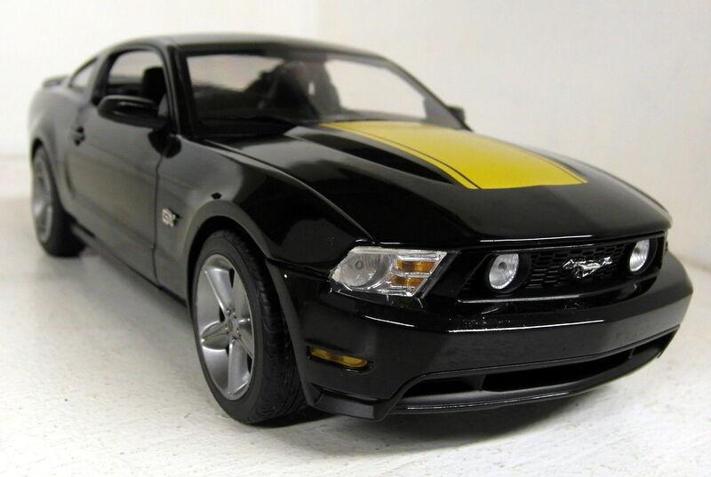 vertlight échelle 1 18 01843 2010 ford mustang gt noir or diecast voiture modèle
