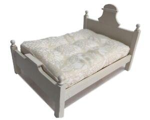 Camera da letto per la casa delle bambole 1:12