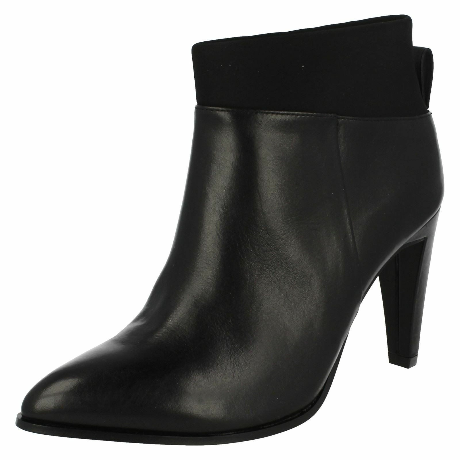 Ladies Clarks Ankle Boots 'Azizi Posey'